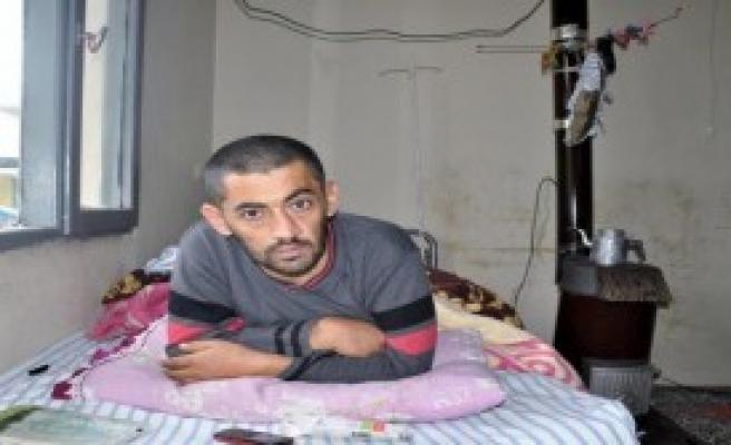 Suriyeli Felç Oldu