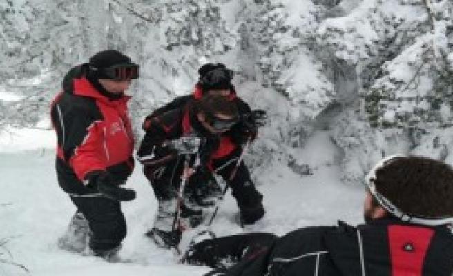 Uludağ'da Kaybolan Kayakçıyı Jandarma Buldu