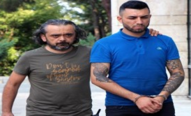 Uyuşturucu Satıcıları Suçüstü Yakalandı