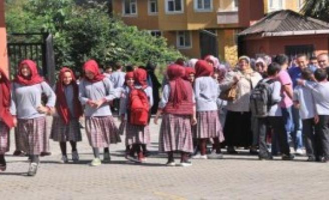 İmam Hatiplilerin Okul Müdürü Görevden Alındı