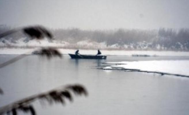Van Gölü de Dondu