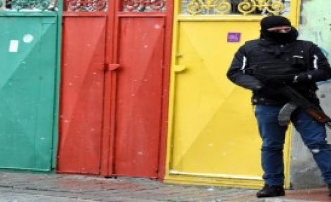 Van'da PKK Operasyonu: 19 Gözaltı
