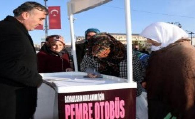 'Pembe Otobüs' İçin Kampanya