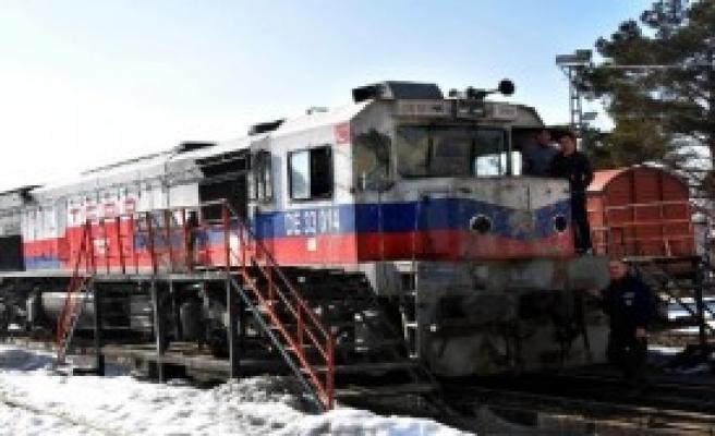 Yük Treni Onarıldı