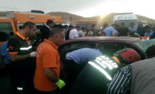 Van'da Trafik Kazası: 2 Ölü