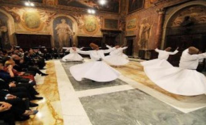 Vatikan Sarayı'nda Sema Ayini