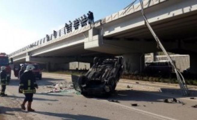 Viyadükten Uçan Otomobilin Sürücüsü Yaralandı