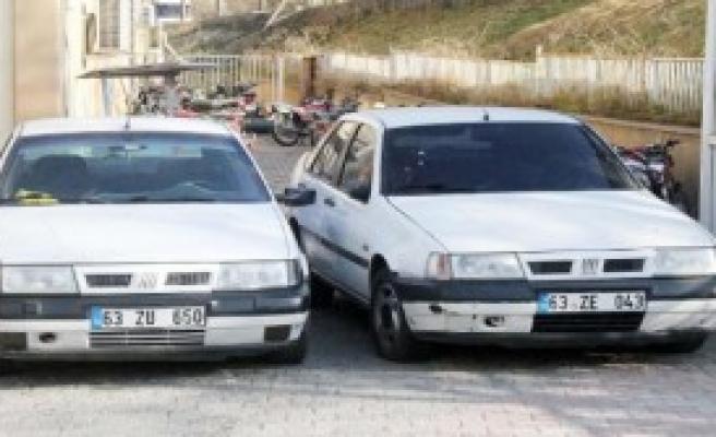 Yakıtları Bittikçe Otomobil Çalan 3 Şüpheli Yakalandı