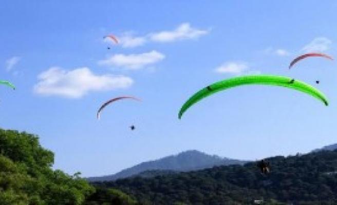 Yamaç Paraşütü Yarışları Kaldığı Yerden Devam