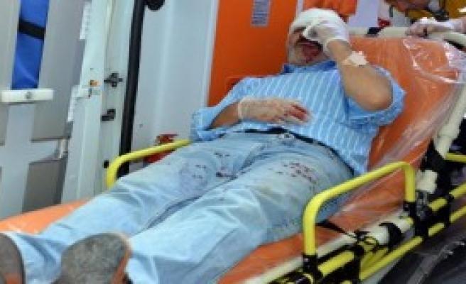 'Yan Bakma' Kavgası: 2 Yaralı