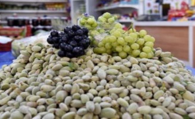 Yaz Meyveleri Gramla Satılıyor