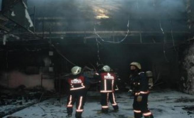 Yeraltı Çarsısında Korkutan Yangın