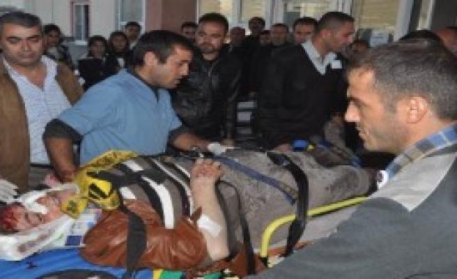 Yüksekova'da Kaza: 2 Ölü, 9 Yaralı