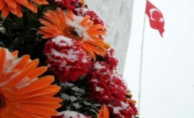 Zigana'da Çığ Kurbanı Dağcılar Anıldı
