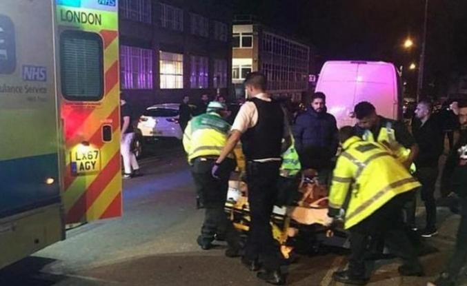 İngiltere'de cami önünde nefret suçu