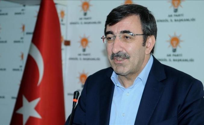 AK Parti'li Cevdet Yılmaz koronavirüse yakalandı