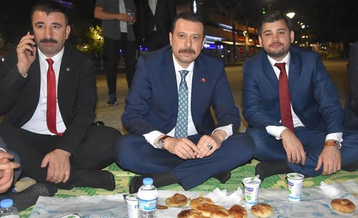 AK Partili Kaya'dan gençlerden destek istedi