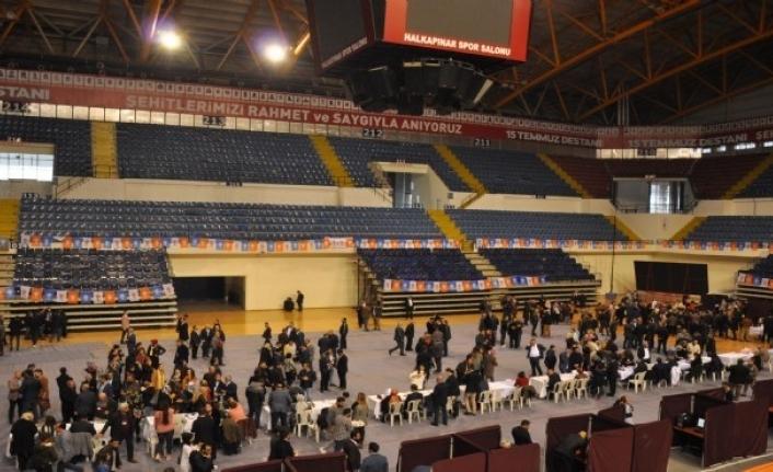 AK Parti İzmir'de 4 bin kişilik temayül heyecanı yaşandı