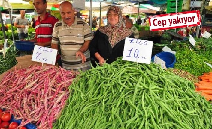 İzmir'de pazar fiyatları tüketiciyi üzdü