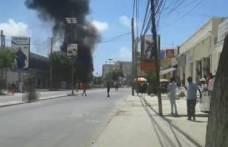 Somali'de bomba yüklü araç patladı!