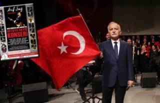 Bayraklı'da 'ustaya saygı' konseri