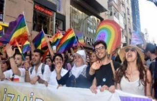 LGBTİ'lerden İzmir çıkarması
