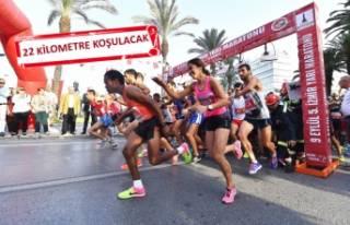 İzmir'de maraton heyecanı yaşanıyor