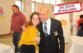 Atatürk'ün çocukları yeni çocuk başkanını...