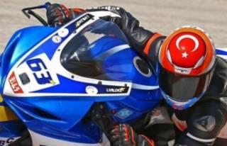 Şampiyon motorcu kazada öldü...