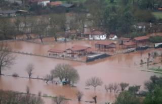 Fethiye sele teslim: Tarım arazileri sular altında