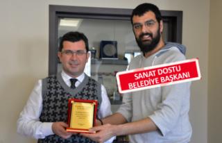 Başkan Gönenç'e sanata katkı ödülü
