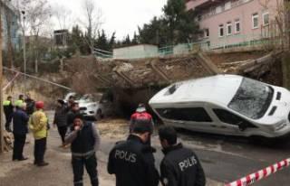 İstanbul'da istinat duvarı araçların üzerine...