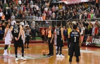 Pınar Karşıyaka- Beşiktaş maçında arbede iddiası
