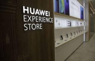 Türkiye'nin ilk Huawei deneyim mağazası İzmir'de