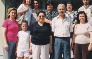 Dikili'nin ilk kadın Belediye Başkanı Tınay,...