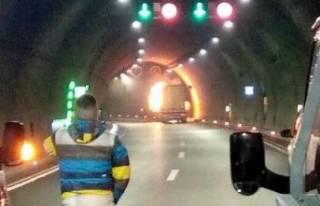 Sabuncubeli Tüneli'nde TIR yangını