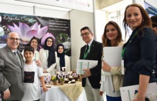Genç girişimciler İzmir'de yarıştı