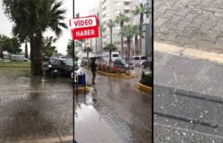 Sağanak yağış İzmir'i esir aldı