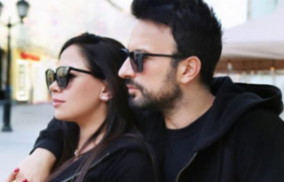 Tarkan ve eşi Pınar'dan Moskova'da el...