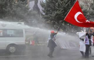 Ankara'da 100 Gözaltı