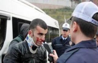 Polisten Kaçarken Minibüse Çarptı: 3 Yaralı
