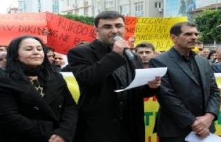 Adana'da Öcalan İçin Eylem Yaptılar