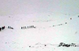 Ağrı Dağı'na Tırmanan 39 Dağcı 3 Gündür Mahsur