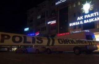 Ak Parti İl Binası Önünde Bomba Paniği