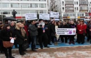 Bolu'da Özgecan'ın Öldürülmesine Tepki
