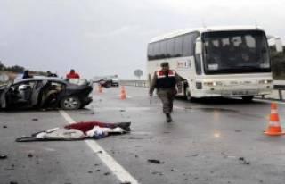 Çanakkale'de Kaza: 1 Ölü, 2 Yaralı