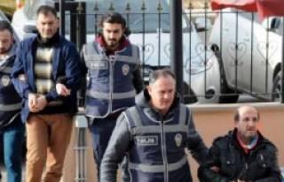 Polis Ayakkabı Hırsızlarını Yakaladı