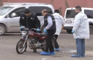 Diyarbakır'da Kapkaççılar Polisi Yaraladı!