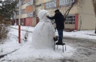 Doğu'da Kar Eğitimi Aksattı!