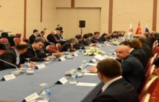 Zeybekci, Rus Bakan İle Görüşüyor